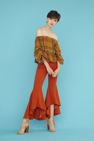 Natasya Wide flare pants in rust