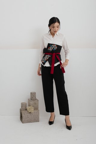 Fu Embroidered Obi Belt in Black